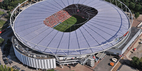 Modernes Stadion für 30.000 Zuschauer