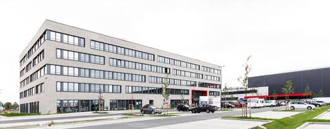 Köster stellt neue Zentrale für Woolworth vorzeitig fertig