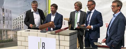 Grundsteinlegung für das Berlinerhaus