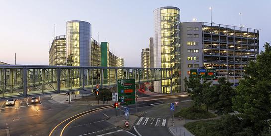 Parkhaus Flughafen Düsseldorf: Schlüsselfertiger Neubau eines 9-geschossiges Parkhauses