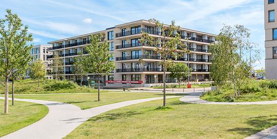 Justus Grosse GmbH, Bremen: Repräsentatives Wohn- und Geschäftshaus mit Weserblick.