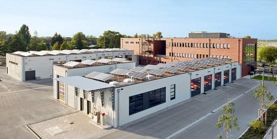 Feuerwache Stadt Düsseldorf: Schlüsselfertiger Neubau mit Fahrzeughalle, Werkstatt, Waschhalle und Tankstelle.
