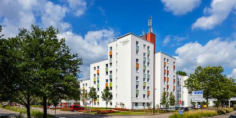 Studentenwohnanlage Haus 17, Düsseldorf: Schlüsselfertige Sanierung von 144 Einzelzimmern, 4 behindertengerechten Appartments sowie 16 Büros