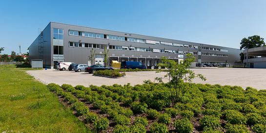 Logistikhalle mit Büros, Norderstedt: Schlüsselfertige Immobilie für Garbe Logistic
