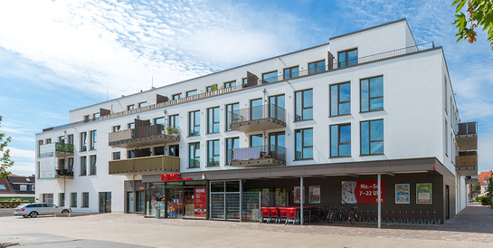 Wohn- und Geschäftshaus Deichtor, Bremen: Schlüsselfertiger Neubau einer Wohnanlage mit 109 Wohnungen und Verbrauchermarkt.