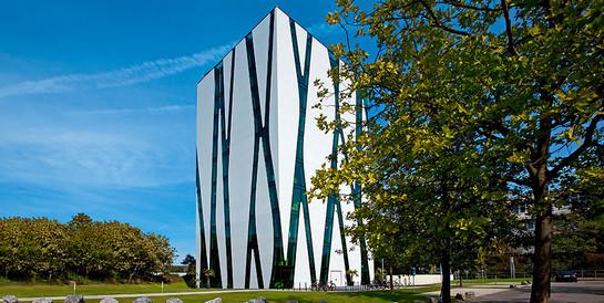 Heinrich-Heine-Universität, Düsseldorf: Schlüsselfertiger Neubau einer neungeschossigen Fachbibliothek Oase.