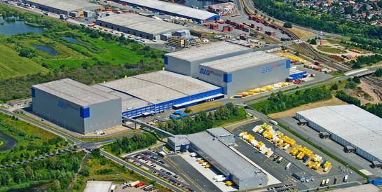 BLG Logistics Group AG & Co. KG, Bremen: Schlüsselfertiges Logistikzentrum mit 60 Überladebrücken und Kleinteilelager.