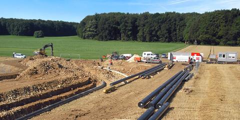 Gashochdruckleitungen, Scharrenstetten: Verlegung von Gashochdruckleitungen unterhalb einer Autobahn und einer ICE-Trasse bei Scharenstetten