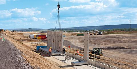 Verwaltung HARIBO Deutschland, Grafschaft: Umfangreiche Infrastruktur auf einem 30 ha großen Areal für den HARIBO-Neubau